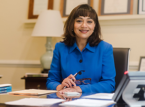 Photo of President Pareena Lawrence