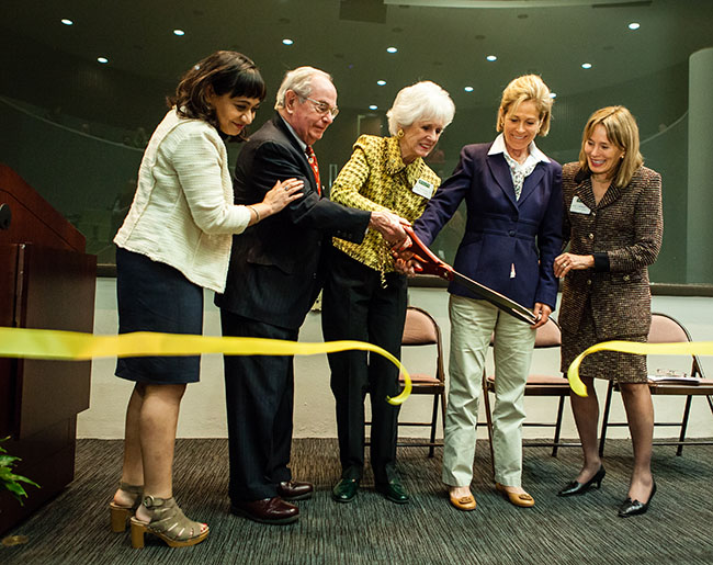 Photo of ribbon cutting at Dana Science Building rededication